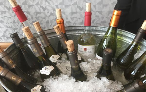 MIXOLOGY: WINE TASTING 101